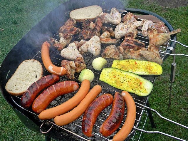 grill, szyszki do rozpalania grilla