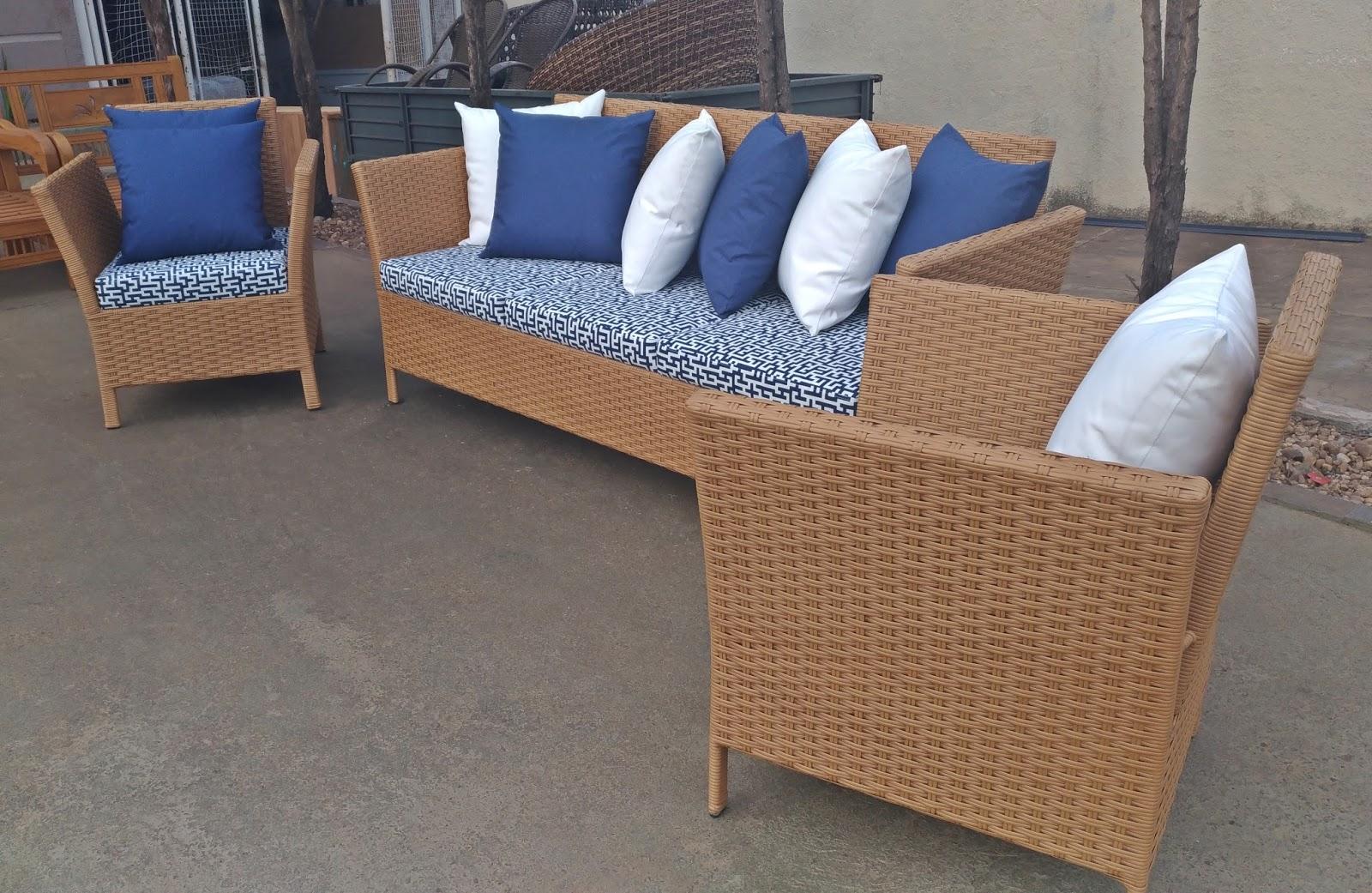 Stof lar decora es m veis em madeira de demoli o sof e poltronas modelo madri 528 - Sofa para tres ...