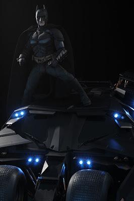 Figura de acción y auto de batman el caballero de la noche