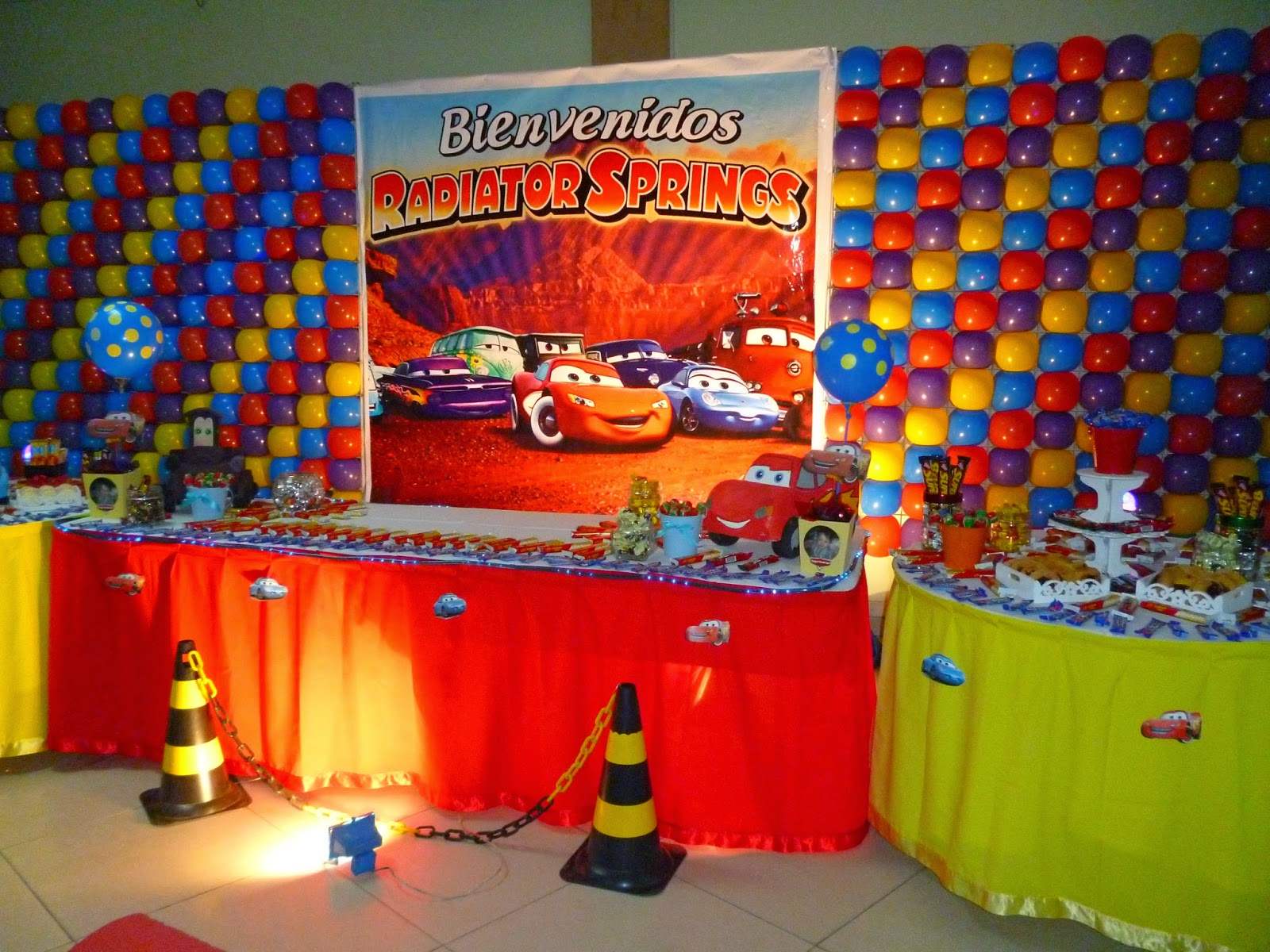 Decoracion infantil de cars for Imagenes de decoracion de fiestas infantiles