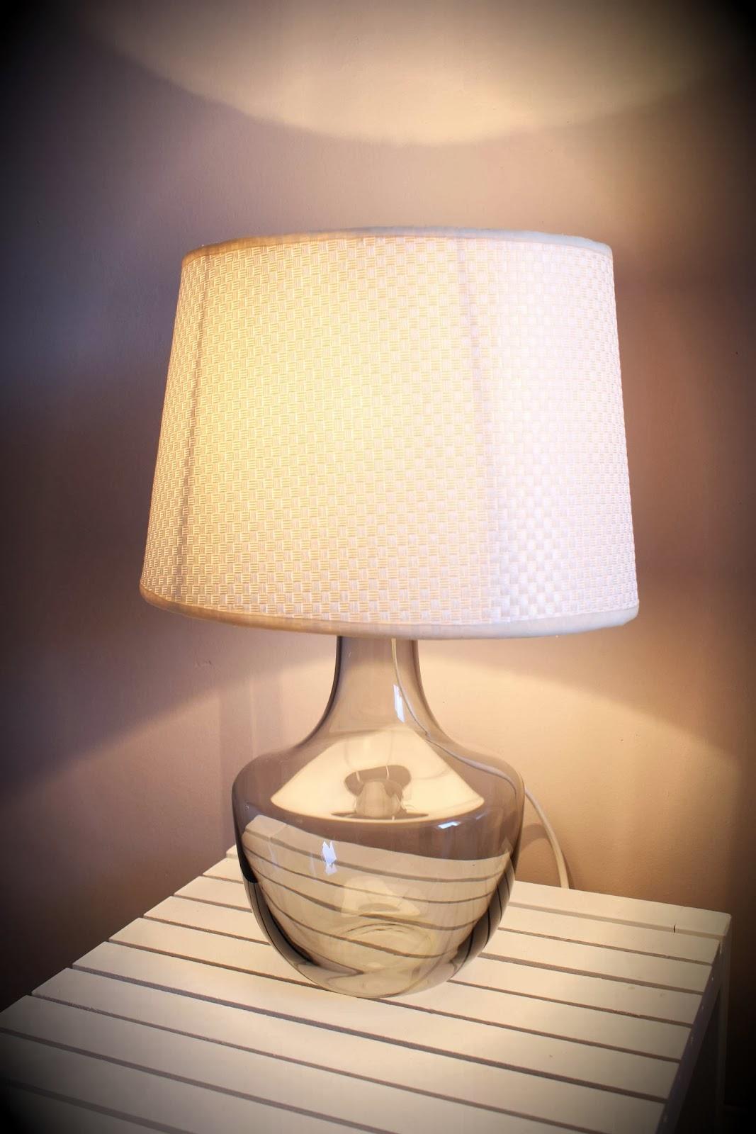 divin 39 id le blog d co diy une lampe originale r alis e partir d 39 une carafe vin ik a diy. Black Bedroom Furniture Sets. Home Design Ideas