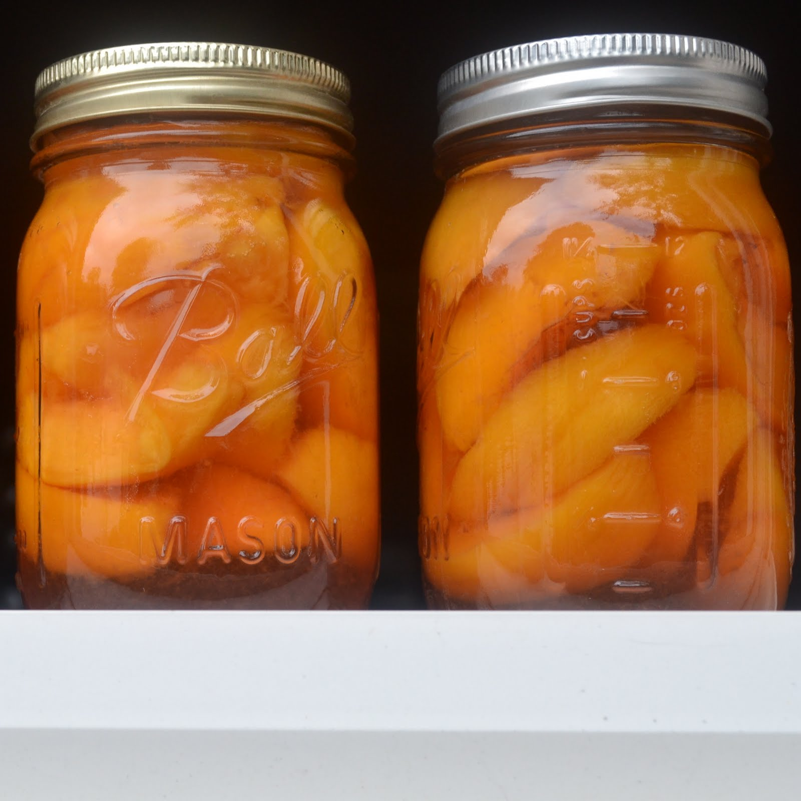 Avis So Cook Kitchen Catharsis Brandied Peaches Tucked Away For Winter