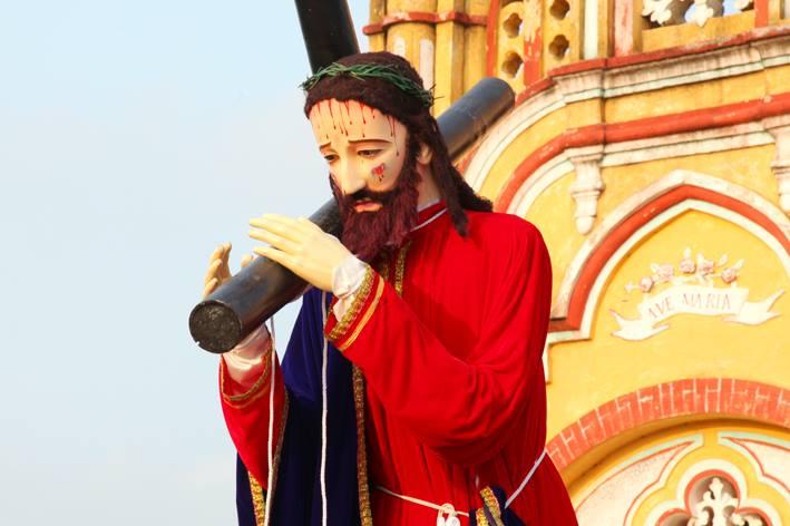Hình ảnh thứ 6 Tuần Thánh tại giáo xứ Kiên Lao