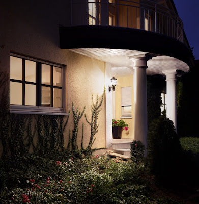 lampa de exterior cu senzor de miscare - design clasic