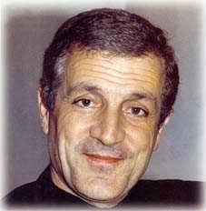 """Don Tonino Bello e la """"Chiesa del grembiule"""""""