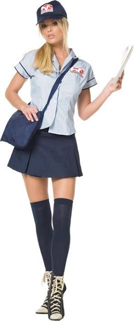 Knappe vrouwelijke postbode
