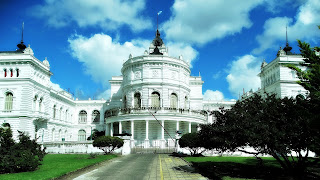 Fundos do Palacio Municipal, La Plata, Argentina