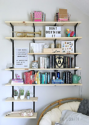 How to hang and style open books shelves in teen room