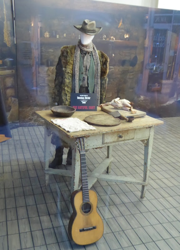 Demián Bichir Bob costume Hateful Eight
