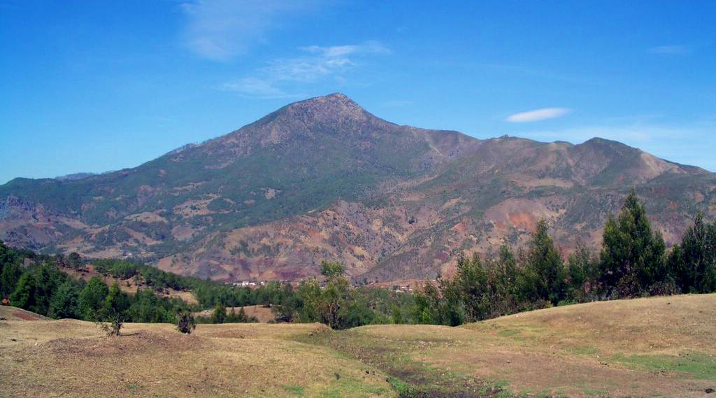 gunung religous kristen di Gunung Ramelau - 2.986 (Timor Leste)