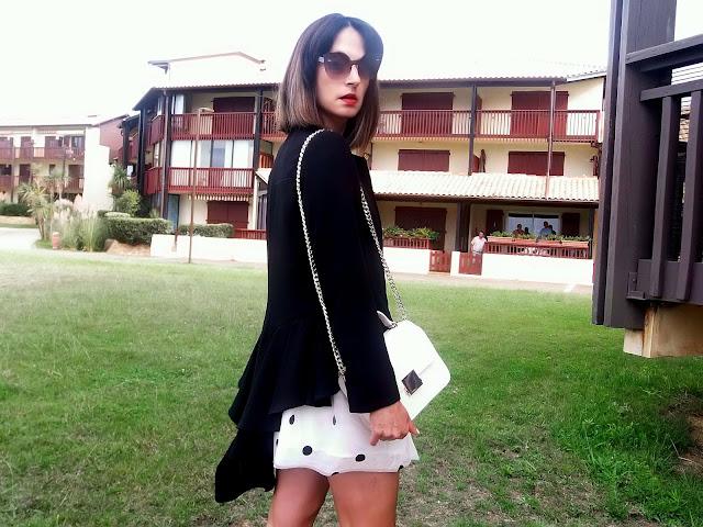 fashion, moda, look, outfit, blog, blogger, walking, penny, lane, streetstyle, style, estilo, trendy, rock, boho, chic, cool, casual, ropa, cloth, garment, inspiration, fashionblogger, art, photo, photograph, Avilés, oviedo, gijón, asturias, francia, france, tulle, skirt, blazer, top, shoes, rebelle, rebelde, rebel, elegance, elegancia,