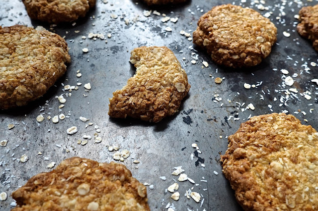 ANZAC Biscuits on Ballpoints & Biscuits