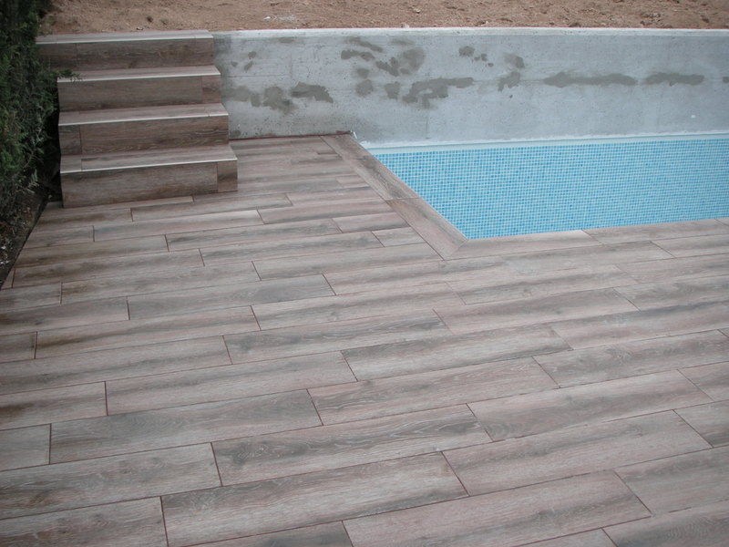 Construcciones pablo p rez alonso s l piscinas for Borde piscina hormigon