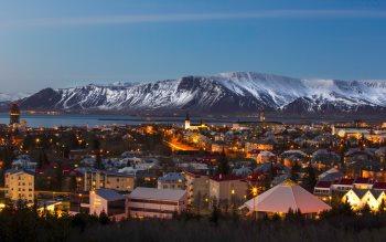 Wallpaper: Reykjavik Urban Landscape