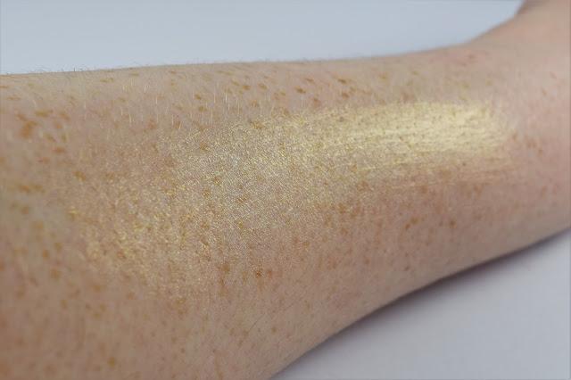 Illamasqua Radiance Veil Illuminating Primer Swatch