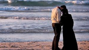 Mau Keluar Rumah, Ini 5 Adab Yang Harus Diperhatikan Oleh Seorang Istri
