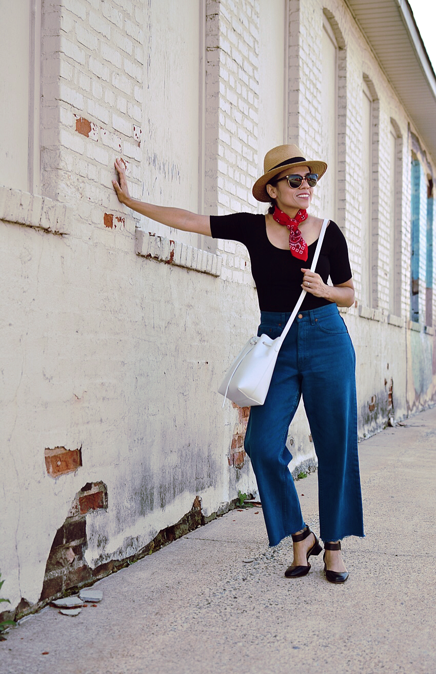 High rise vintage jeans street style