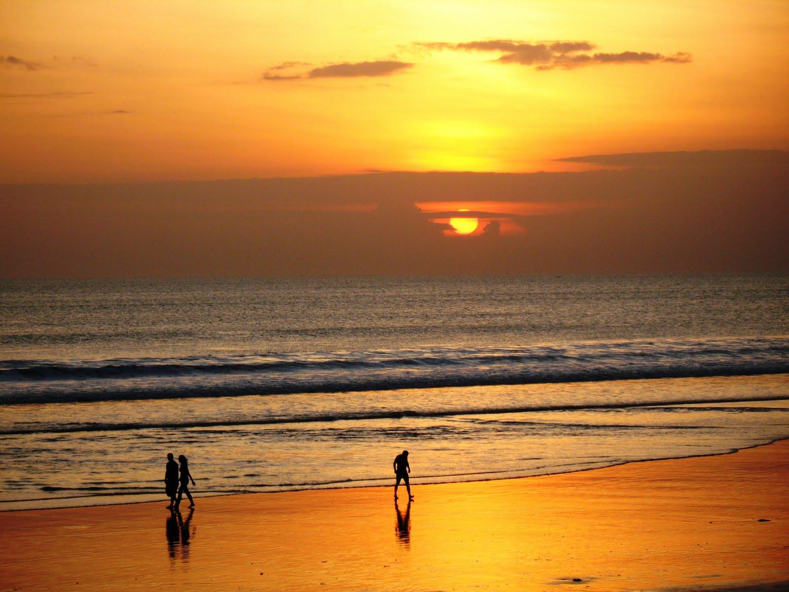 Pantai kuta bali mahasiswa bicara