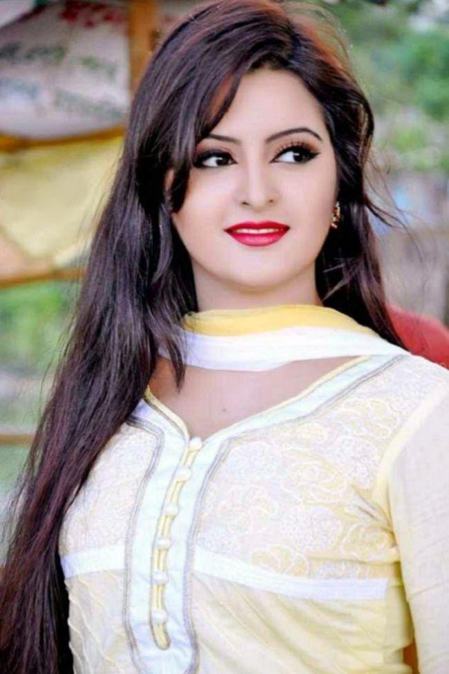 Very Cute Girl Wallpaper 9 Best Look Of Bangladeshi Model Pori Moni New Actress