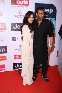 Red Carpet of Most Stylish Awards 2017 ~ Ajay Devgan and Kajol (5).JPG