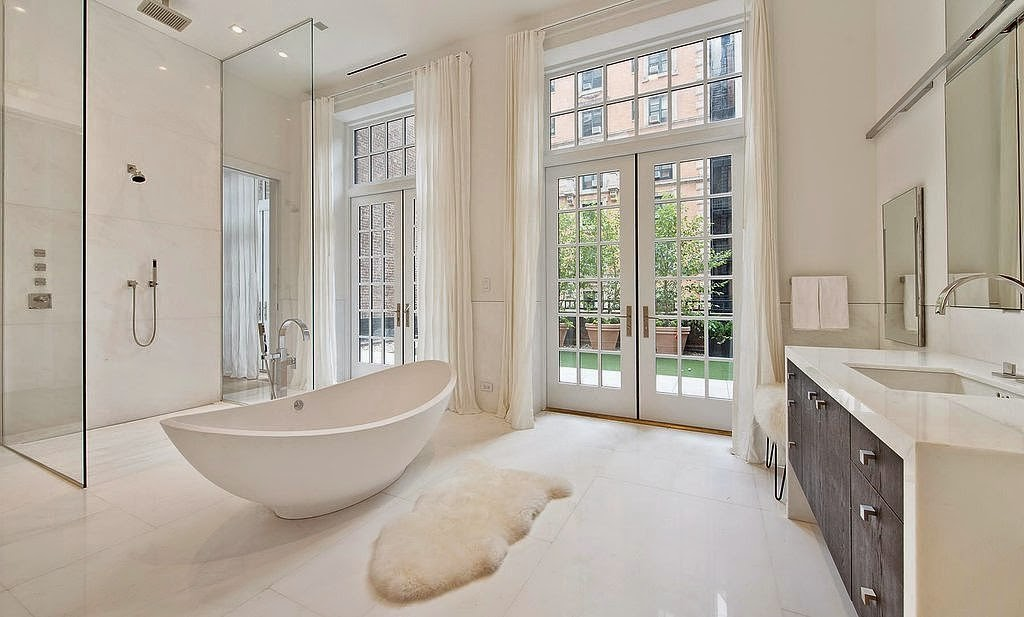 Interieurbouw badkamerkasten en badkamers celebrities maatwerk en design - Ontwerp entree spiegel ...