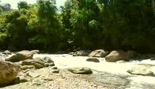Keindahan Dan Keunikan Pantai Lubuak Batu Di Dalam Hutan
