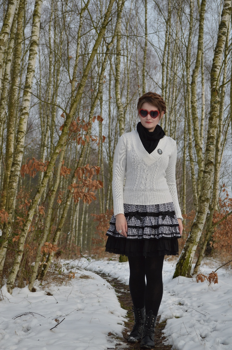 lolita, fashionista, personal style, blogger, skirt, anna house, black, white, winter outfit, ootd, quaintrelle, georgiana, quaint, heart shaped glasses