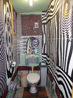 psy washroom of trippy geomtric patterns
