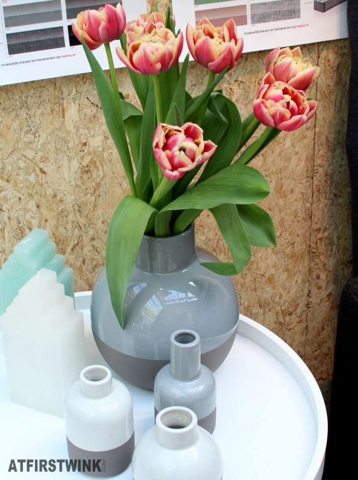 HEMA side table, vases, house shaped candles and tulips.