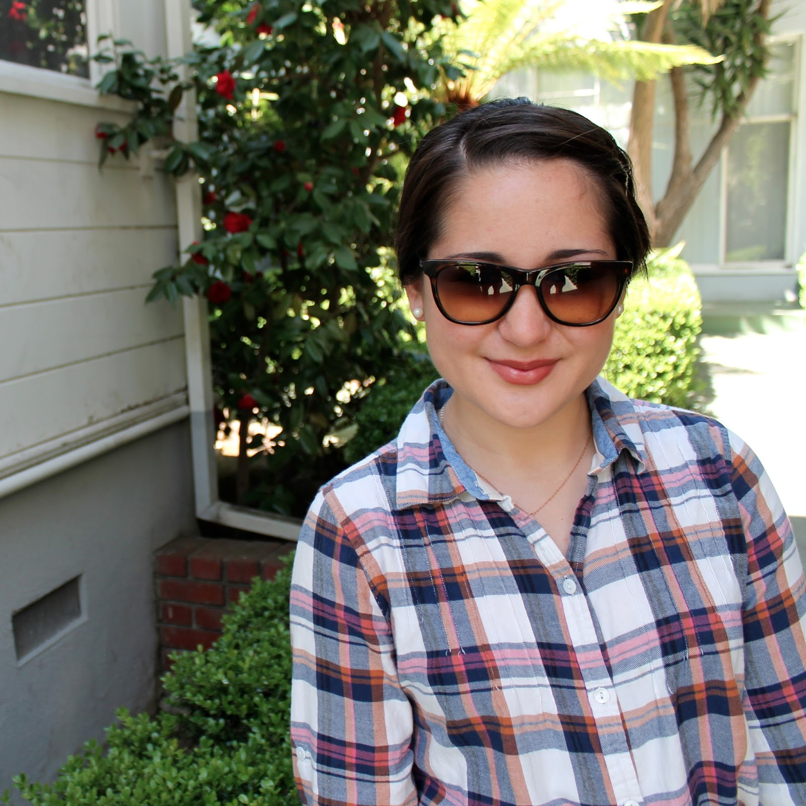 vintage-inspired-Ray-Ban-sunglasses-and-plaid-shirt