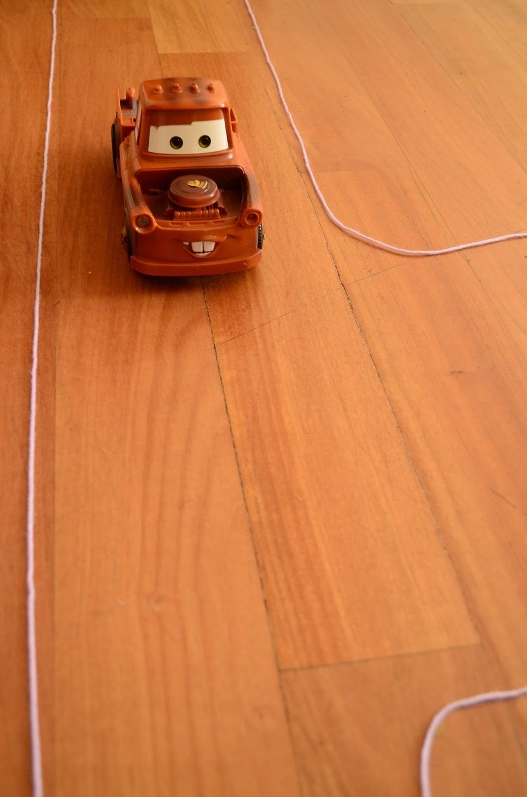 The Practical Mom: Yarn Toy Car Tracks (Practical Mondays #11)