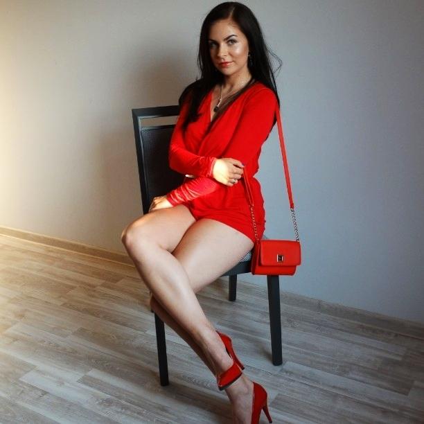 czerwony look