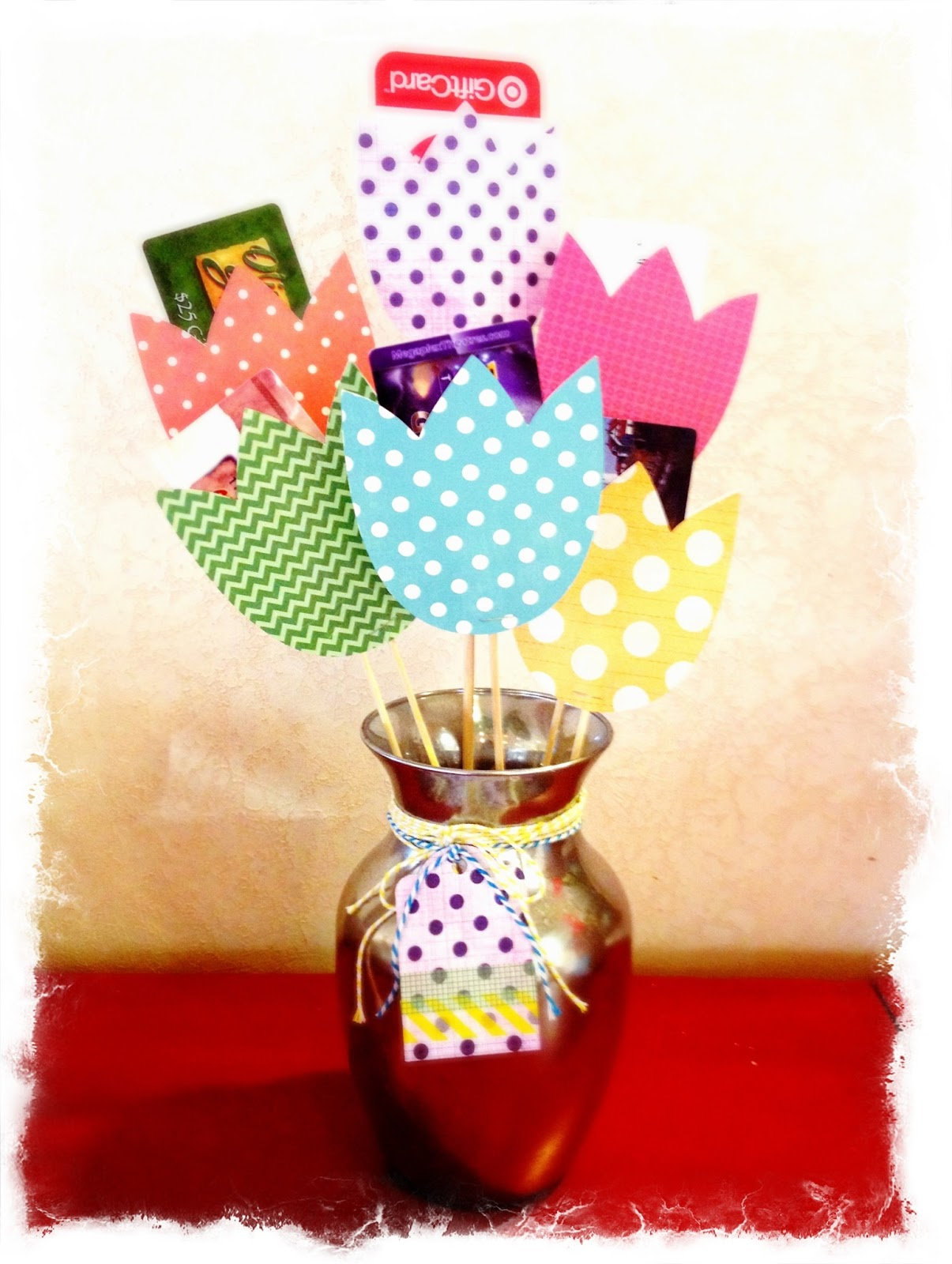 larcie bird gift card bouquet