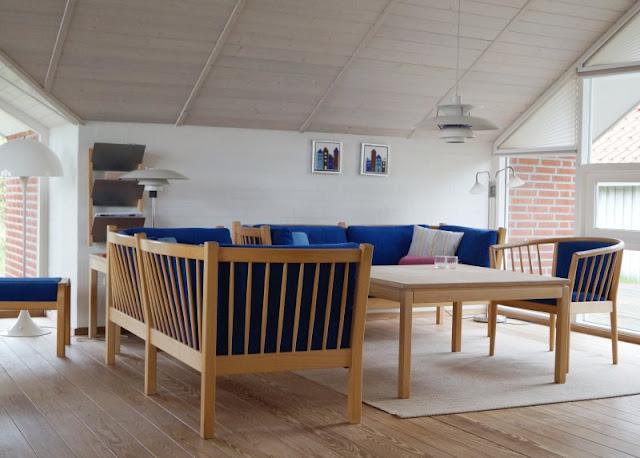 Familienurlaub im dänischen Ferienhaus: Erholsam, familienfreundlich und richtig schön! Ich nehme Euch mit in unseren Dänemark-Urlaub, den wir in einem tollen Ferienhaus von Schultz Ferienhäuser in Houstrup verbracht haben. Hier: Wohnzimmer.