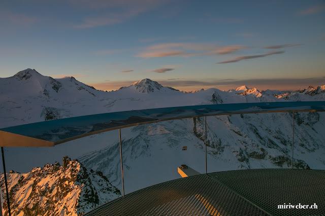 Pitztaler Gletscher, höchster Punkt Tirol, 3440m, Sonnenaufgang, Travelblog Schweiz, Travelbloggerin Schweiz, Natur Fotografie, Pitztal, Skifahren im Oktober, Snowboarden im Pitztal