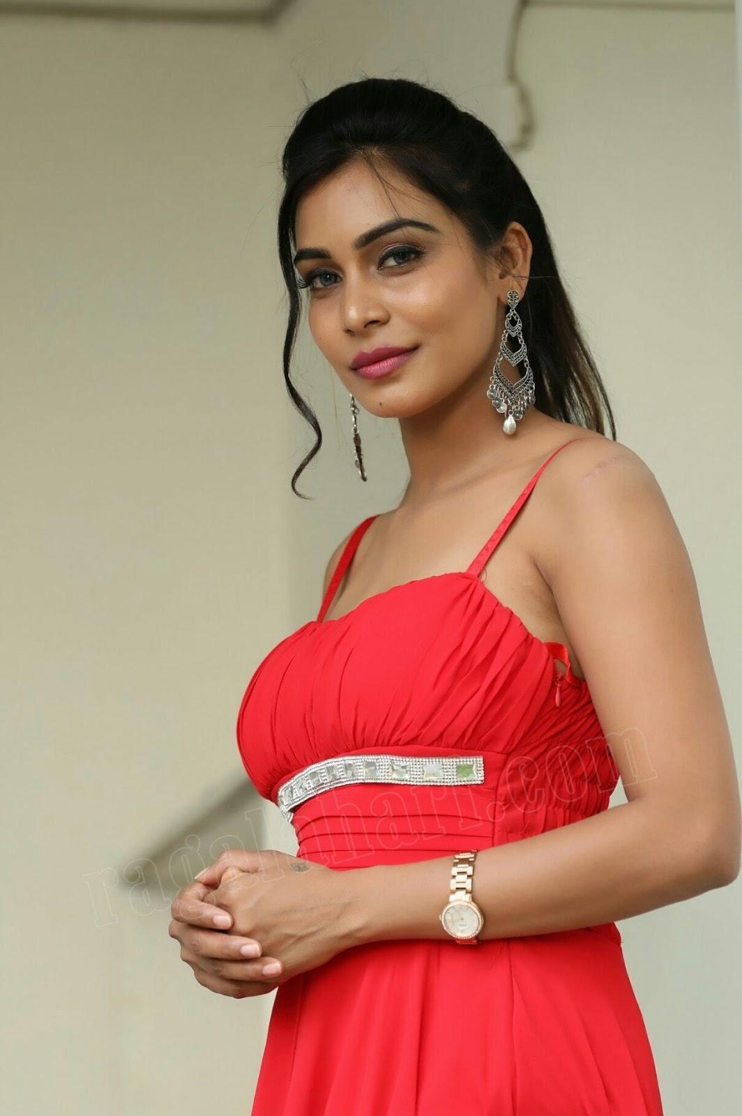 Enjoy Your Stress free Life with Pia Kapoor Independent Nagpur Call Girl