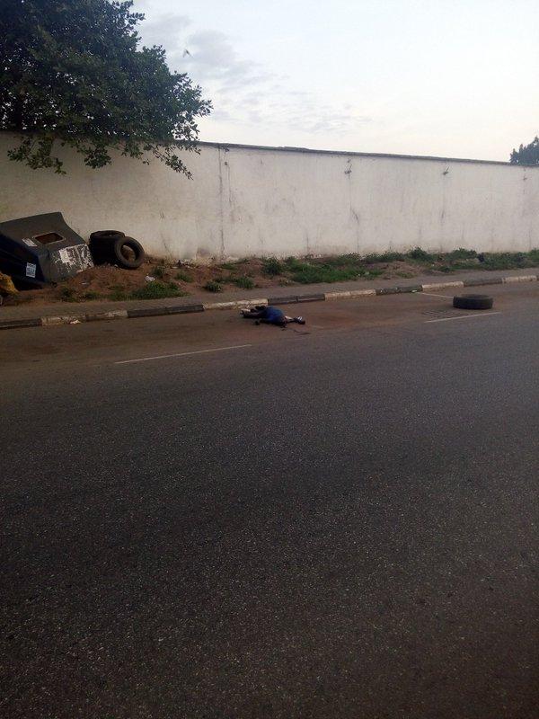 Photo: Lifeless Body Lying On Dawson Road In Benin