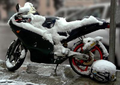 Moto preparada para el invierno
