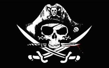 """Cette image represente le pavillon pirate, aussi nomme Jolly Roger dans le monde anglo-saxon. Ce drapeau arbore generalement sur fond noir une tete de mort surmontant deux tibias entrecroises ou de deux sabres croises. Ici l'iconographie est particulierement travaillee puisque les symboles habituels sont agrementes de détails supplémentaires. Aisni le crâne arbore un bandeau sur l'oeil et un poignard sous la mâchoire, poignard dont la lame est ensanglantee. De plus il est surmonté d'un chapeau de corsaire qui porte lui-même sur le devant une tete de mort sur deux tibias croises, ainsi que le meme element figuratif sur le cote. On distingue egalement ce qui semble etre des boucles d'oreille en forme de tibias croises au niveau des oreilles de part et d'autre du crane. C'est une vision tres artistique qui accompagne a merveille le non moins artistique poeme du Marginal Magnifique intitulé """"Pirate"""" dans lequel le grand poete se met en scene unfe fois de plus en un court texte. Il exprime sa volonte d'etre pirate, c'est a dire individualiste et insubordonne, sans lois, dans un monde ou personne n'a de scrupules et ou il n'y a plus valeur, mais neanmoins encore beaucoup trop de vanite mal placee. Un poeme plus court sur variation d'ego trip donc mais plaisant, fun, et avec du sens comme toujours ! Bravo au Marginal Magnifique !"""