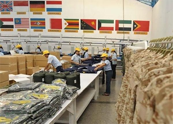Sritex memproduksi pakaian anti peluru untuk North Atlantic Treaty Organization (NATO)