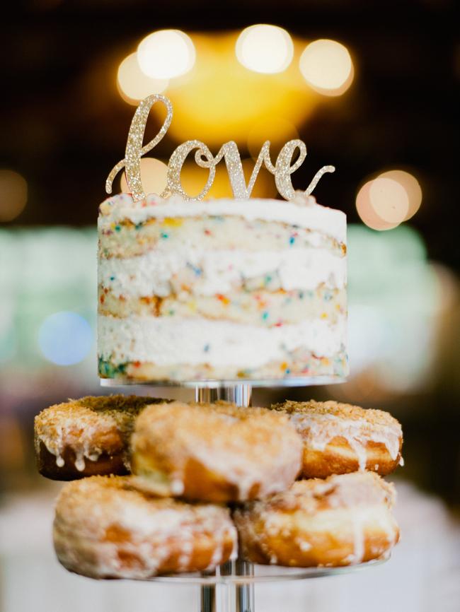 Pączki na wesele, tort weselny inne alternatywy,  Tort weselny, przyjęcie weselne, wesele, słodki stół', słodkości na weselu, organizacja wesela, dekoracja stołu słodkiego, Inspiracje ślubne