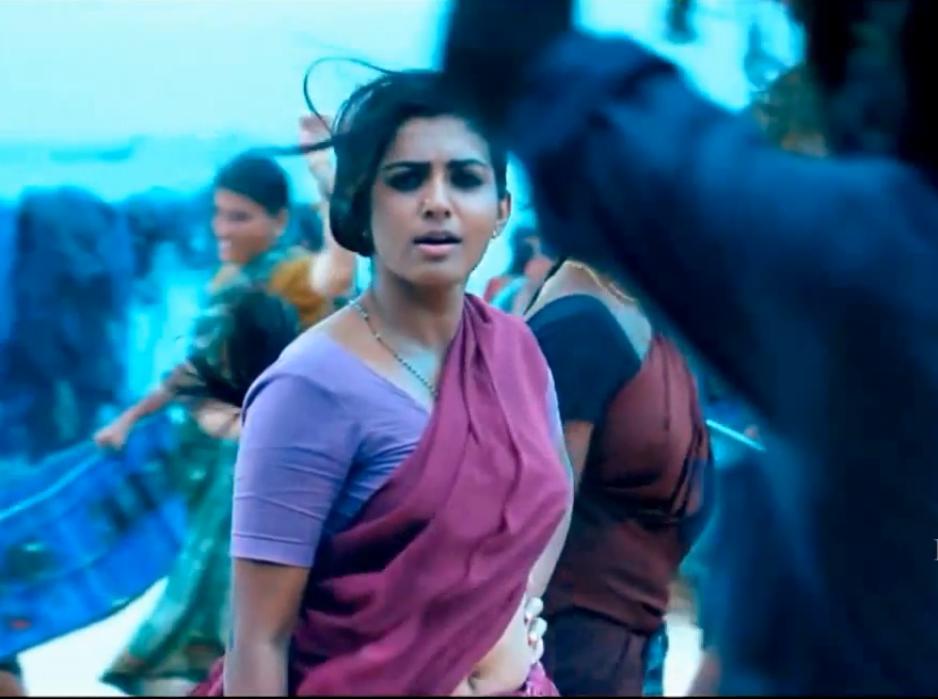 Malayalam Actress Parvathy Menon Saree Navel Slip Show