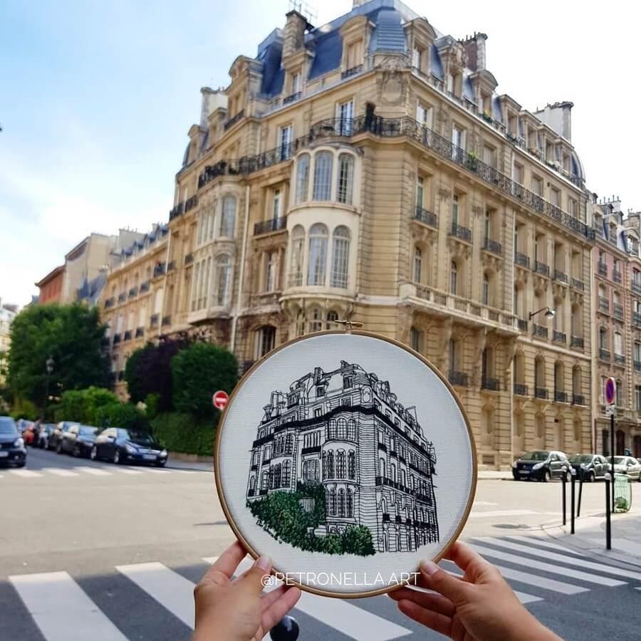 01-Rue-Rembrandt-Petronella-Henry-www-designstack-co