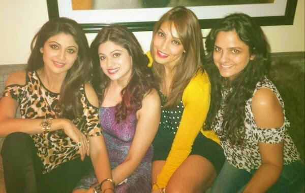 Bipasha Basu & Shilpa Shetty at Shamita Shetty's birthday bash