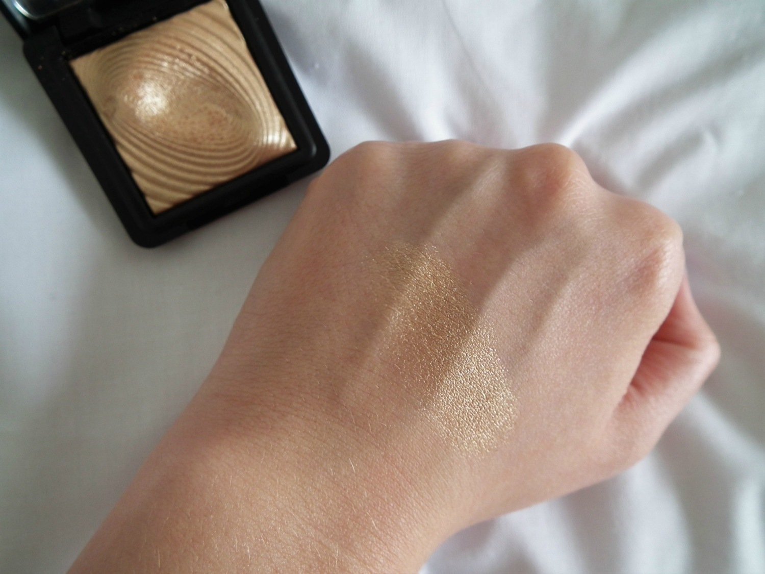 Products I've Loved This Month Kiko 208 Eye Shadow Swatch