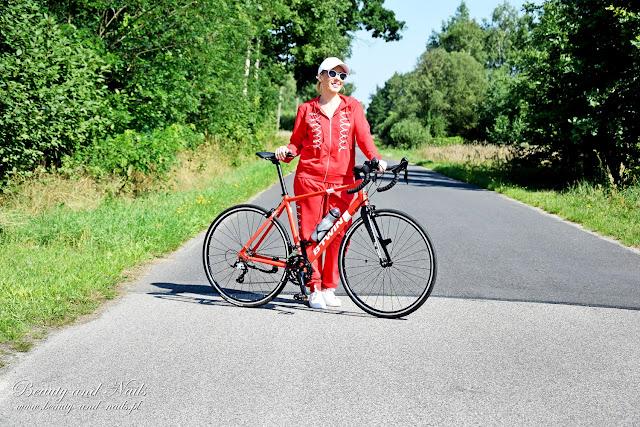 Piękny, czerwony dres od Fasardi.
