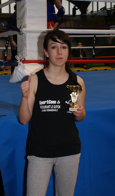 VALENTINE VICE CHAMPIONNE NATIONAL COMBAT CLASSE D JUNIOR -54KG