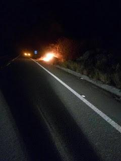 Carro incendeia completamente na BR 104 próximo ao trevo de acesso a Cuité