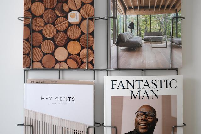 simple design magazine rack