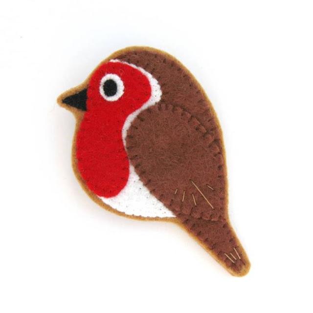 felt robin brooch